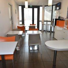 Отель Montempô Apparthôtel Lyon Sud Франция, Лион - 1 отзыв об отеле, цены и фото номеров - забронировать отель Montempô Apparthôtel Lyon Sud онлайн питание фото 2