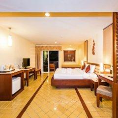 Отель Duangjitt Resort, Phuket удобства в номере