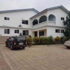 Отель Elizz Guest House парковка