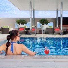 Отель Centro Barsha by Rotana бассейн