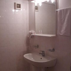Отель Velbazhd Болгария, Кюстендил - отзывы, цены и фото номеров - забронировать отель Velbazhd онлайн ванная