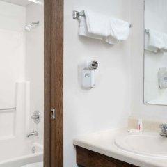 Отель Days Inn by Wyndham St Cloud ванная