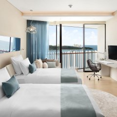 Отель Hilton Pattaya 5* Номер Делюкс с различными типами кроватей