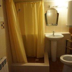 Гостиница Guest house Viktoriya в Сочи 1 отзыв об отеле, цены и фото номеров - забронировать гостиницу Guest house Viktoriya онлайн ванная