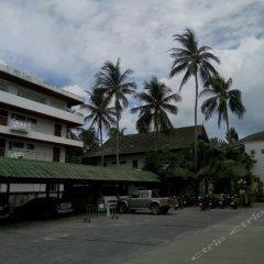 Отель First Bungalow Beach Resort парковка