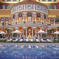 Four Seasons Hotel Macao at Cotai Strip бассейн