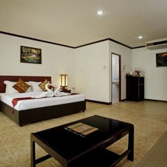 Bamboo Beach Hotel & Spa сейф в номере