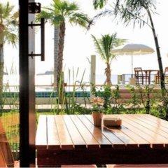 Отель The Sea House Beach Resort пляж