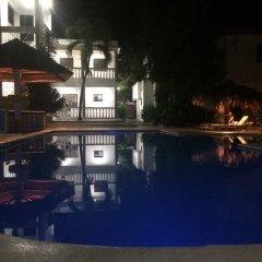 Hotel El Caucho бассейн