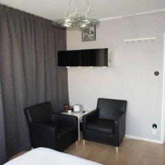 Отель Bed & Breakfast Stockholm at Mariatorget удобства в номере