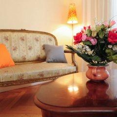 Отель Appartement Minuetto - 5 Stars Holiday House Ницца комната для гостей