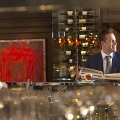 Four Seasons Hotel Prague гостиничный бар