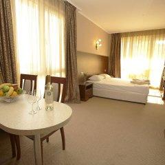 Отель Festa Pomorie Resort Болгария, Поморие - 1 отзыв об отеле, цены и фото номеров - забронировать отель Festa Pomorie Resort онлайн комната для гостей фото 2