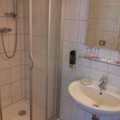 Отель Britzer Tor Германия, Берлин - отзывы, цены и фото номеров - забронировать отель Britzer Tor онлайн ванная фото 2