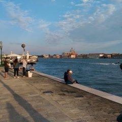 Отель Dorsoduro 461 Италия, Венеция - отзывы, цены и фото номеров - забронировать отель Dorsoduro 461 онлайн пляж фото 2