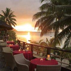 Отель Hilton Moorea Lagoon Resort and Spa гостиничный бар