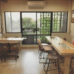 Post Factory Bed & Breakfast Sathorn Hostel - Adults Only Бангкок фото 9