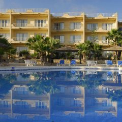 Отель Gozo Houses of Character бассейн