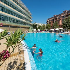 Ivana Palace Hotel бассейн фото 2