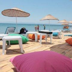 Akkuslar Hotel Турция, Айвалык - отзывы, цены и фото номеров - забронировать отель Akkuslar Hotel онлайн пляж фото 2
