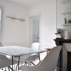 Отель 2 Bedroom Flat on Quai de Valmy в номере фото 2
