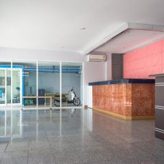 Отель Zen Rooms Phetchaburi 13 Бангкок фитнесс-зал
