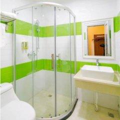 Отель Yuehang Hotel Китай, Чжухай - отзывы, цены и фото номеров - забронировать отель Yuehang Hotel онлайн ванная