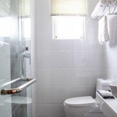 Отель Gold Harbour Inn ванная