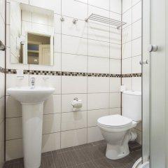 Гостиница Roomp Tsvetnoj Bulvar Mini-Hotel в Москве отзывы, цены и фото номеров - забронировать гостиницу Roomp Tsvetnoj Bulvar Mini-Hotel онлайн Москва ванная