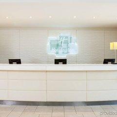 Отель Holiday Inn Stevenage интерьер отеля