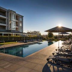 Отель Hilton Lake Taupo бассейн