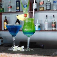 Отель Namolevu Beach Bures гостиничный бар