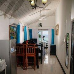 Отель Firefly Beach Cottages в номере