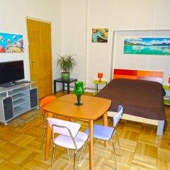 Апартаменты Apartments Comfort Прага комната для гостей