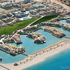 Отель The Cove Rotana Resort спортивное сооружение
