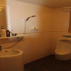 Отель Petite Mama's Guesthouse ванная