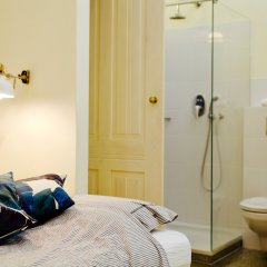 Отель 4th Floor Bed and Breakfast Польша, Варшава - отзывы, цены и фото номеров - забронировать отель 4th Floor Bed and Breakfast онлайн ванная
