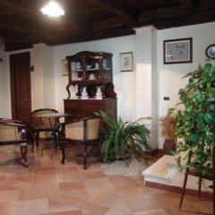 Отель Agriturismo La Casa Del Ghiro Пимонт интерьер отеля