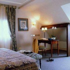 Отель Melia Paris Notre-Dame Франция, Париж - отзывы, цены и фото номеров - забронировать отель Melia Paris Notre-Dame онлайн удобства в номере фото 2