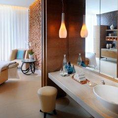 Отель JW Marriott Absheron Baku Азербайджан, Баку - 10 отзывов об отеле, цены и фото номеров - забронировать отель JW Marriott Absheron Baku онлайн ванная фото 2