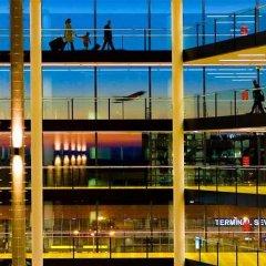 Отель Courtyard by Marriott Prague Airport бассейн фото 2