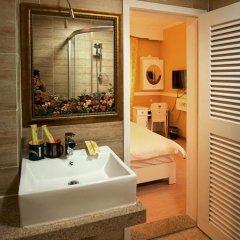 Отель Xiamen Gulangyu Sunshine Dora's House Китай, Сямынь - отзывы, цены и фото номеров - забронировать отель Xiamen Gulangyu Sunshine Dora's House онлайн ванная фото 2