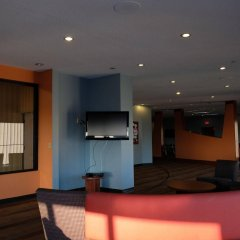 Отель Chestnut Residence and Conference Centre - University of Toronto интерьер отеля