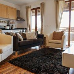 Отель Pirin Heights Holiday Apartments Болгария, Банско - отзывы, цены и фото номеров - забронировать отель Pirin Heights Holiday Apartments онлайн комната для гостей фото 3