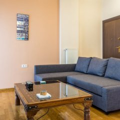 Апартаменты Comfy Apartment for 4 People Афины комната для гостей фото 2