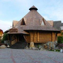 Гостиница Kolyba Opryshkiv Хуст вид на фасад