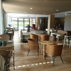 Отель Sriracha Orchid гостиничный бар