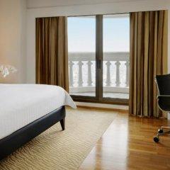 Отель Tower Club at lebua сейф в номере