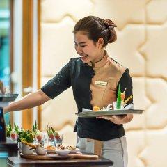 Отель Ravindra Beach Resort And Spa гостиничный бар