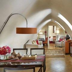 Отель Mandarin Oriental, Prague Чехия, Прага - отзывы, цены и фото номеров - забронировать отель Mandarin Oriental, Prague онлайн комната для гостей фото 5